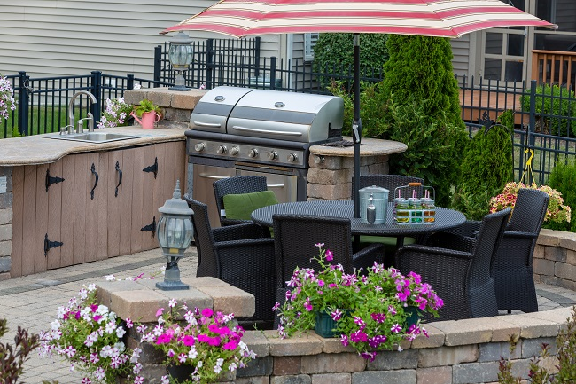 Create a Backyard Oasis by Adding an Outdoor Kitchen to Your Property